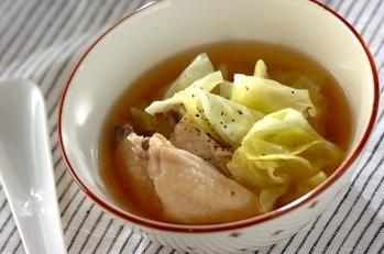 キャベツと鶏肉のスープ