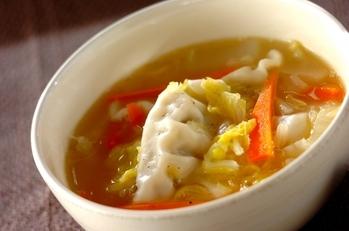 白菜と餃子のあったかスープ