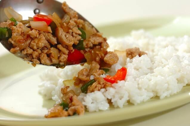 タイ風ひき肉炒めプレートの作り方の手順5