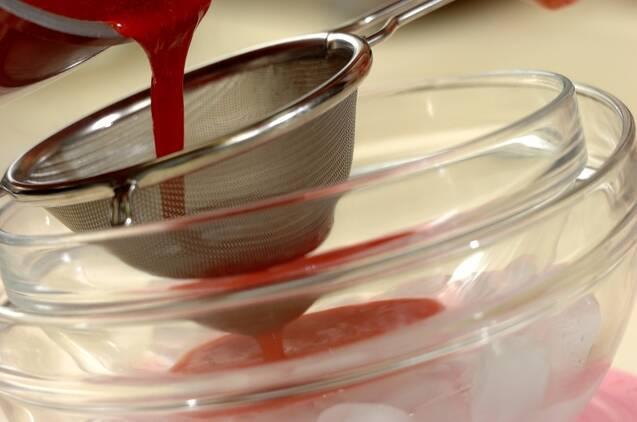 イチゴのザーネトルテの作り方の手順4
