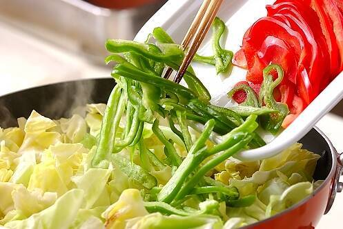 牛肉と野菜の炒め物の作り方の手順7