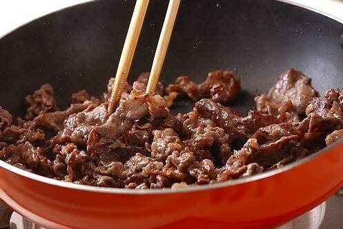 牛肉と野菜の炒め物の作り方の手順8