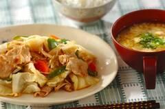 野菜炒め・コーンスープ
