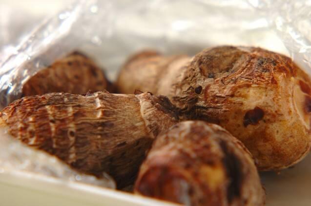 里芋のブルーチーズグラタンの作り方の手順1