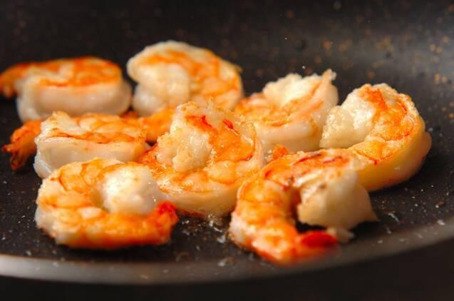エビとチンゲンサイのカレー風味焼きそばの作り方の手順4