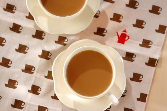 鴛鴦茶(ユンヨンチャ)