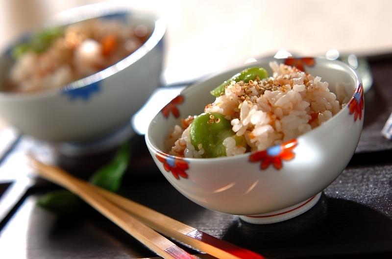 3.ソラ豆と梅の混ぜごはん