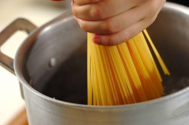 エビのトマトクリームパスタの作り方の手順3