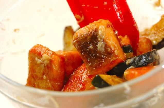鮭とズッキーニのみそマヨ和えの作り方の手順5