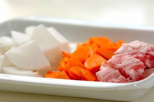 キムチ豚汁の作り方の手順1