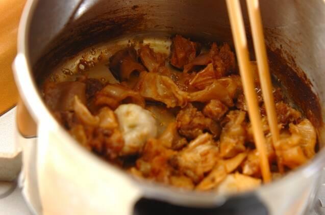 牛すじと里芋の甘辛煮の作り方の手順6