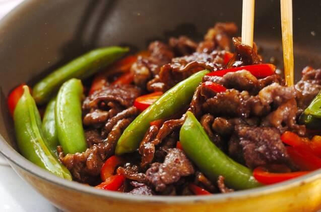 スナップエンドウと牛肉のオイスター炒めの作り方の手順6