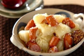 ジャガイモとソーセージの塩煮
