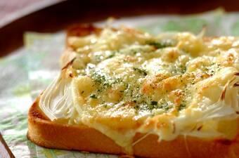 オニオンチーズトースト