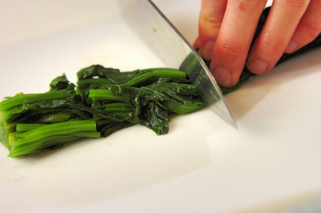ホウレン草のアーリオオーリオの作り方の手順1
