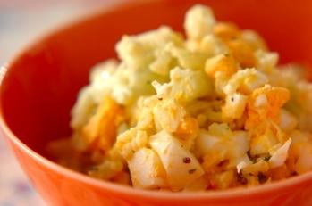 カリフラワーとゆで卵のサラダ