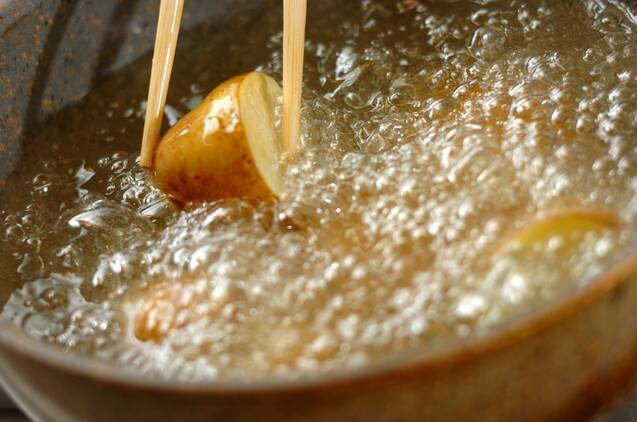揚げ肉ジャガの作り方の手順4