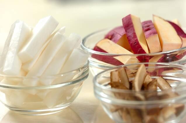 根菜の揚げピクルスの作り方の手順1