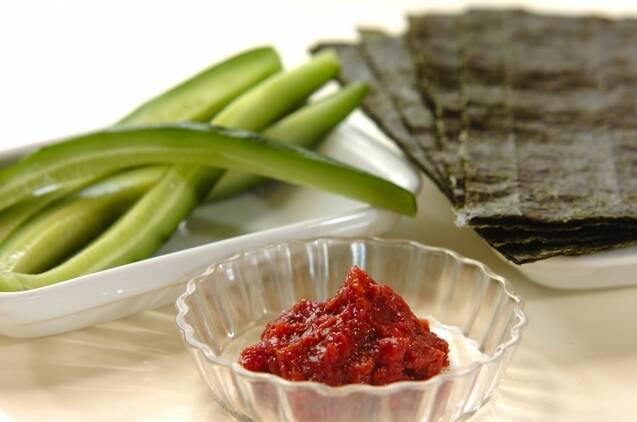 長芋と漬け物の細巻きの作り方の手順3