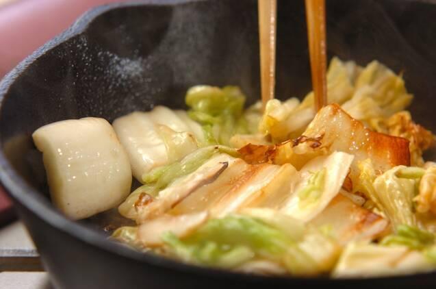 白菜漬けと豚肉の炒めものの作り方の手順3