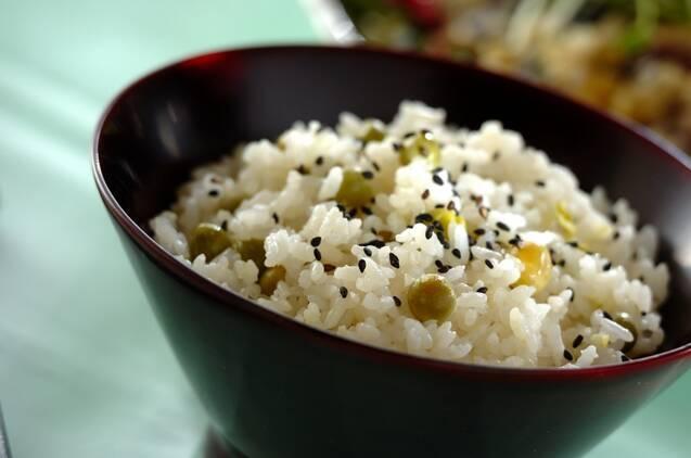 ウスイエンドウ豆ご飯