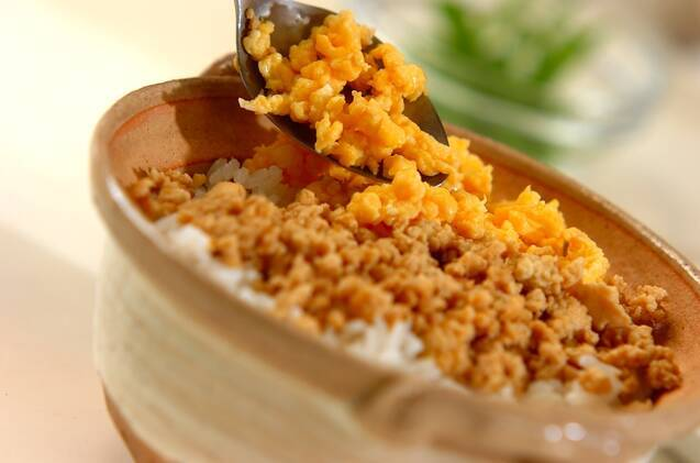 冷凍豆腐の三色丼の作り方の手順4