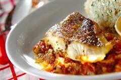 鯛のトマトソース