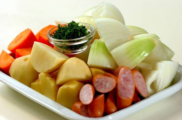 ソーセージと野菜のバーベキューソース煮の作り方の手順1
