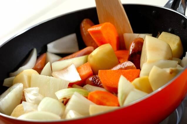 ソーセージと野菜のバーベキューソース煮の作り方の手順2