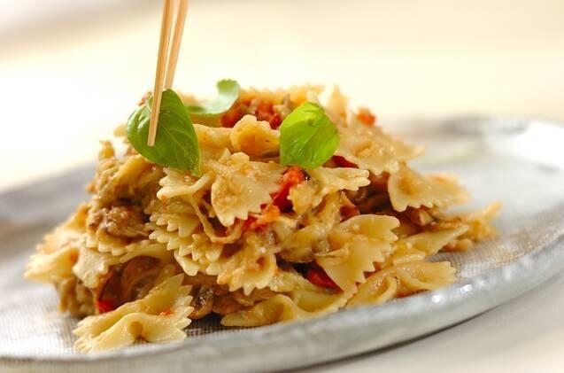 干しトマトとキノコとナスのパスタの作り方の手順9