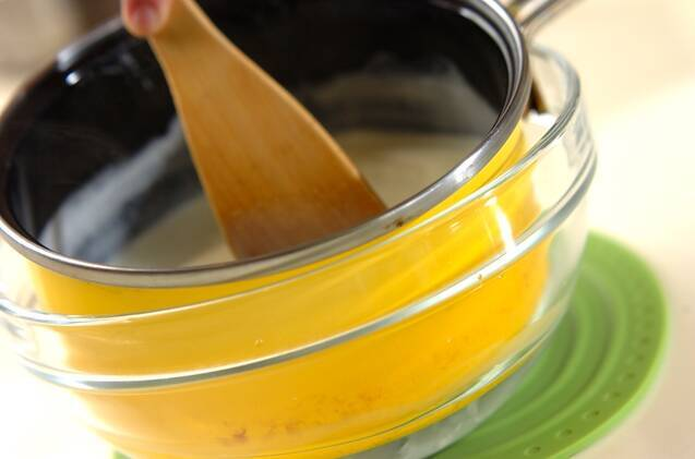 イチゴソースのパンナコッタの作り方の手順3