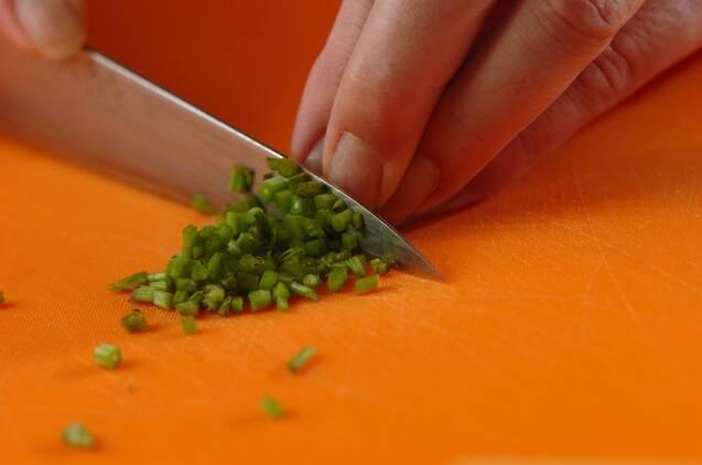調味料2つ! 簡単ガパオライスの作り方の手順1