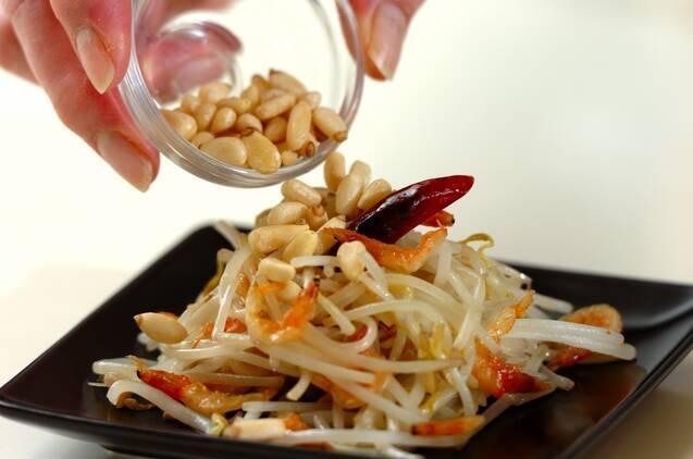 モヤシと桜エビのナンプラー炒めの作り方の手順3