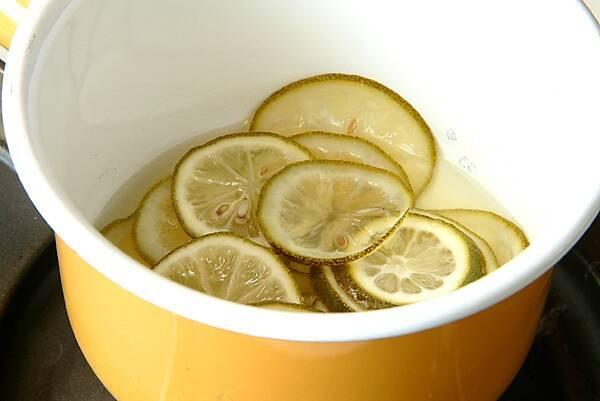 レモンのシフォンケーキの作り方の手順1