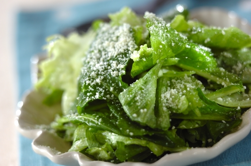 ルッコラとレタスのグリーンサラダ