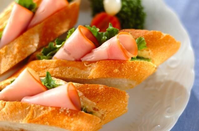朝食からおつまみまで♪ バゲットの簡単アレンジレシピ20選の画像