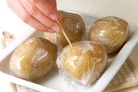 ベイクドポテトの作り方の手順1