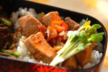 マグロステーキ丼
