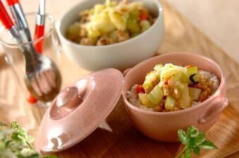 春野菜とチーズのそぼろ丼