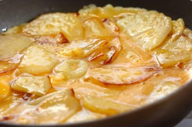 ジャガイモ入り卵焼きの作り方の手順3