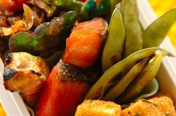 塩鮭と焼き枝豆