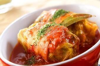 トマト缶でコトコト煮込む!ロールキャベツ
