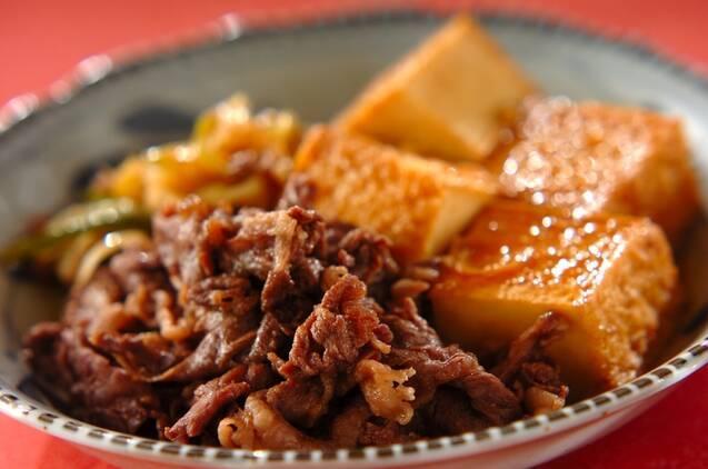 牛こま肉と厚揚げのすき焼き風煮