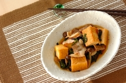 厚揚げと豚バラ肉の炒め煮