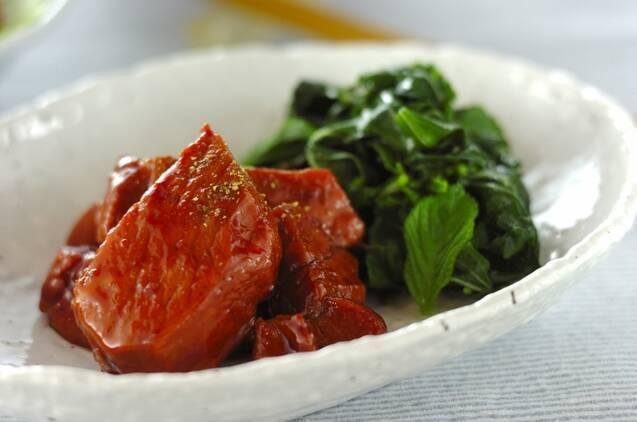 豚ロース肉とモロヘイヤ
