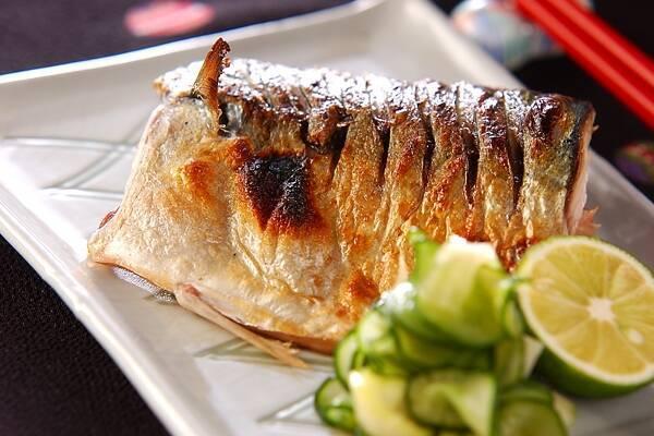 鯖を使ったお手軽レシピ17品!和食や洋食、缶詰め料理まで