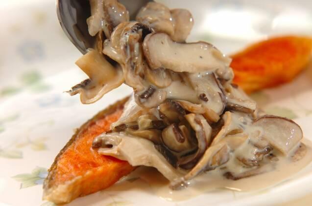 鮭のソテーキノコソースの作り方の手順6