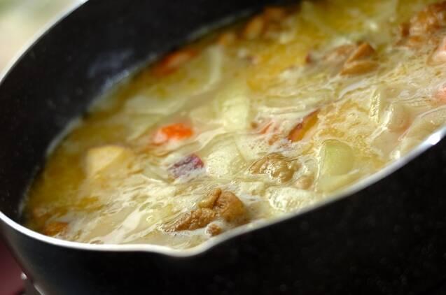 サツマイモ入りココナッツカレーの作り方の手順5