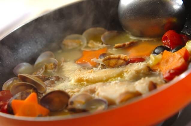 切り身で作るアクアパッツァの作り方の手順5