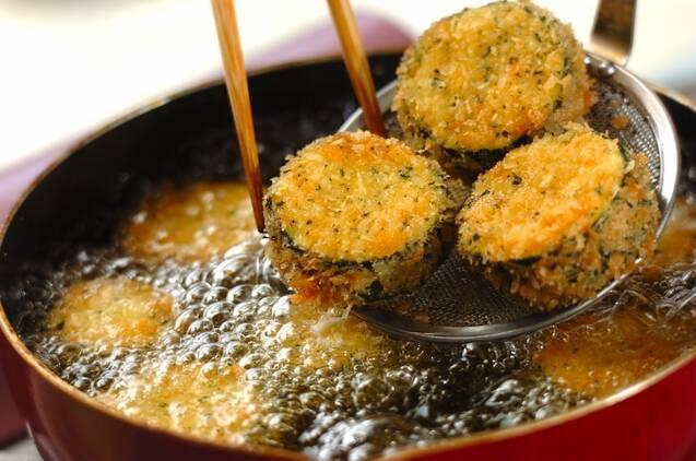 ズッキーニのチーズフライの作り方の手順4